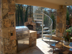 Brown-Crab-Orchard-Ashlar-Columns-Grill-Patio-Steel-Spiral-Stairs