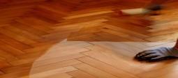 roller_varnishing_floor-255x112