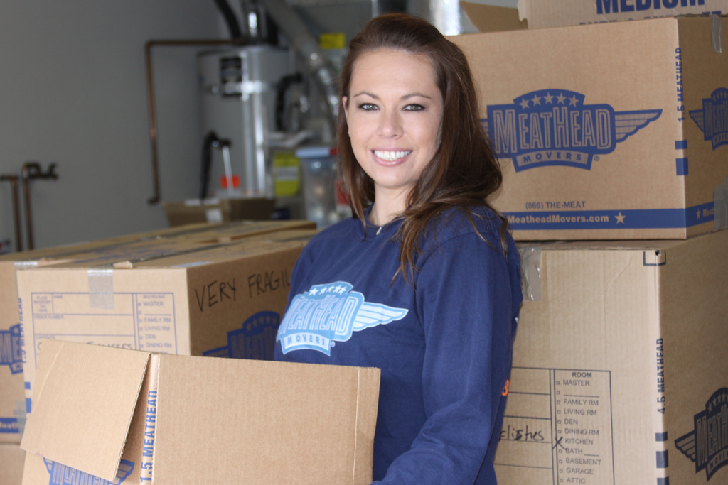 Make Your Moving Easier With The Help Of Packing Boxes