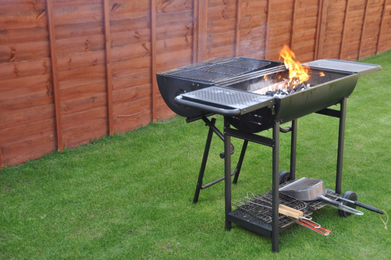Backyard BBQ Hosting Tips